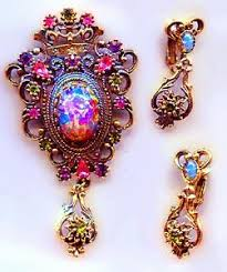 entry necklace