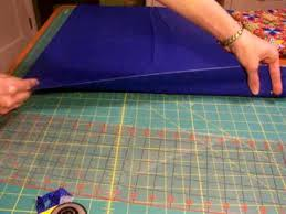 Ultimate Guide for How to Cut Fabric WITH a Rotary Cutter ... & Beginners demonstrate the basic steps of quilting, including rotary cutting… Adamdwight.com