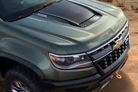 Chevrolet Colorado ZR2 Concept -- Diesel? Manual? Ohh... | BestRide