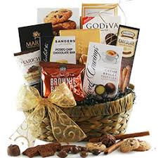 Top 5 Unique Gift Baskets For Christmas  What The Pros SendChristmas Gift Baskets Online