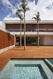 Sun, Shade and a Spectacular Courtyard: Contemporary AN House in ...