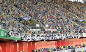 Na místo franka heinemanna se ve třetiligovém německém klubu posadil heiko vogel, jenž naposledy vedl sturm graz. Kfc Uerdingen Fans Fordern Drittligawurdige Verhaltnisse Liga3 Online De