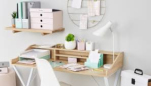 how to organise your desk with colour
