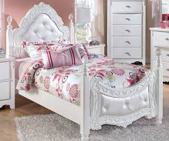 Exquisite Twin Size Poster Bed Beds