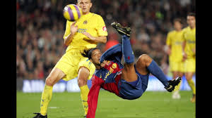 Ronaldinho's overhead kick against Villarreal (2006/07) - YouTube