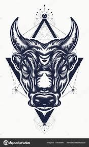 тату бык и футболку дизайн древний рим векторное изображение