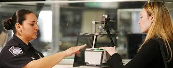 Ein esta ist eine einreisegenehmigung, die sie einholen müssen, damit sie ohne visum in die vereinigten staaten einreisen können. Deutsche Bei Passkontrolle Abgewiesen Usa Verweigern 19 Jahriger Einreise Wegen Facebook Chat Medien Gesellschaft Tagesspiegel