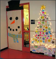 christmas themes for the office.  For Christmas Theme Office Decorating Ideas Themes Fancy  Decoration Decorations In For Doors Cubicle Movie  With The O