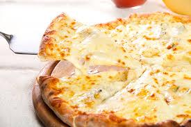 Risultati immagini per pizza 4Formaggi (mozzarella, caciocavallo, gorgonzola, grana).