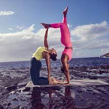 the 12 best yoga clothing brands of