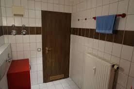 Wandfliesen Holzoptik Badezimmer
