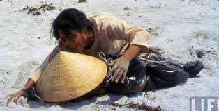 Tập Truyện Ngắn Tiểu Tử:  Thằng Dân Việt - Ngụy…  Images?q=tbn:ANd9GcSNjbRSDxcWd6hxu8YzyVmT_VsYGclOH7pYUbZdVUriUyCeW4ZU