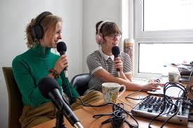 Studenten geven kiesadvies in nieuwe politieke podcast - Erasmus Magazine