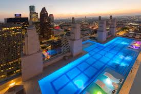 glass bottomed sky pool at market square tower houston