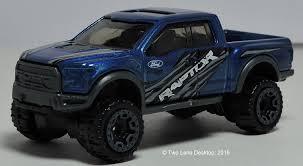 Two Lane Desktop: Hot Wheels 2017 Ford F-150 Raptor and Greenlight ...
