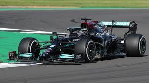 Die formel 1 ist die königsklasse des automobilsports. Formel 1 Silverstone Hamilton Feiert Heimsieg Zdfheute