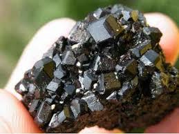 Гранат (минерал) — Википедия