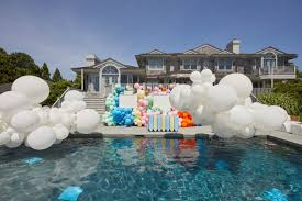Set the stage for your best summer party — from creating the outdoor ambiance to picking the perfect menu. 12 Pool Party Ideas For Your Summer Soiree Photos Partyslate