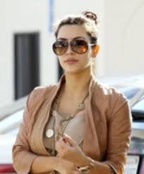 gucci 2887. dancing is clearly not one of kim\u0027s strengths but you know what is? looking good. here she\u0027s sporting the gucci 2887/s sunglasses from safilo\u2026 2887 e