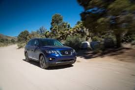 2017 Nissan Pathfinder Gets New Face, Greater Towing Abilities ...