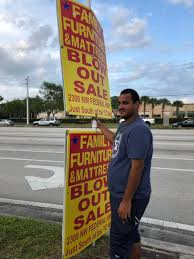 Man finds $20,000 in Jensen Beach parking lot, turns it over to ...