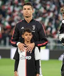 Cristiano Ronaldo: Sein Sohn kickt jetzt mit dem kleinen Rooney - Fussball  - Bild.de