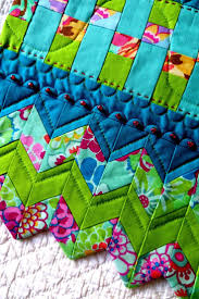 4404 best images about quilts on Pinterest & If you want a really pretty edging to a quilt - this is it. Quilt  BorderQuilt BindingQuilting ... Adamdwight.com