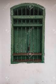 Alte Grüne Fenster In Einem Haus Lizenzfreie Fotos Bilder Und Stock