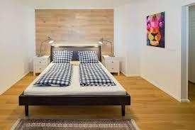 Schlafzimmer Mit Holzwand Wohndesign Inspiration Von Holztrennwände