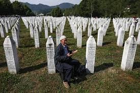 Bosnien-Herzegowina: Leugnung von Srebrenica-Völkermord strafbar - DER  SPIEGEL