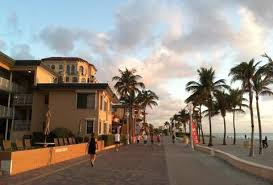 Guide To Miami In Entertain Visit Places Travel Visitors ZzxwxXB