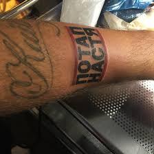 потап сделал на руке тату в честь группы потап и настя