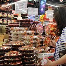 Chọn mua bánh kẹo dịp Tết như thế nào cho an toàn?