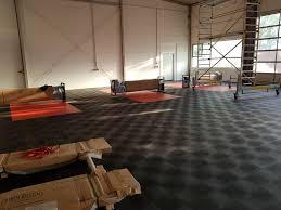 Nun meine frage im bad muss das gefache aufgrund von leitungen und so raus. Werkstattboden Pvc Perfekte Boden Fur Kfz Industrie