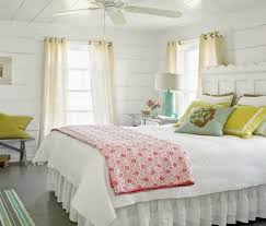 How To Decorate A Country Bedroom.