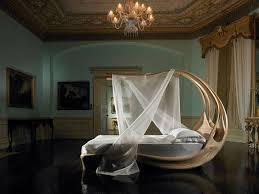 16. Enignum Bed