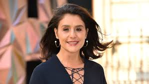 346k likes · 8,045 talking about this. Jessie Ware Gives Birth To Son In Her Living Room Bt