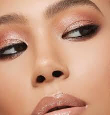 yes you read that right cosmetics giant nars has designed an eyeshadow palette called singapore