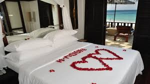Bedroom : Enticing Romantic Bedroom For Valentine Display Gorgeous ...