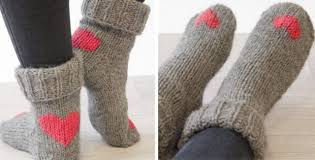 Sock Knitting Pattern Custom Heart Dance Knitted Socks [FREE Knitting Pattern]