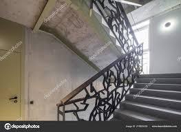Treppe Treppe In Einem Modernen Haus Dekorative