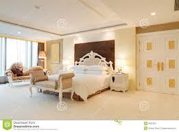 Immagini Di Camere Da Letto Moderne : Camera da letto moderna con camino triseb