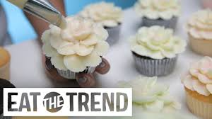 Magnolia Bakery Hibiscus Flower Cupcake Eat The Trend Youtube