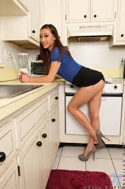 Arial Rose pussy show in the kitchen Porn Pics
