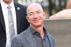 Jeff Bezos : Reichster Mann der Welt jetzt noch reicher
