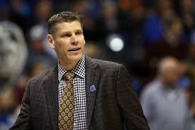 Loyola's Porter Moser gets to NCAA Tournament after all — as TV studio  analyst - Chicago Tribune