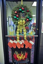 christmas decorating themes office. Office Christmas Decorating Ideas That You Must Not Miss Themes D