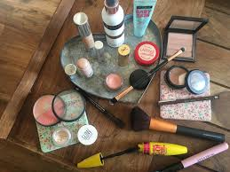 i ve seen so many vloggers doing my daily makeup routine videos and i ve been quietly getting jealous i love the idea of sharing what my daily makeup
