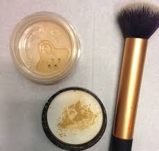 9272 bare minerals is best applied with a powder brush