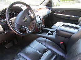 Car Picker - chevrolet Avalanche interior images